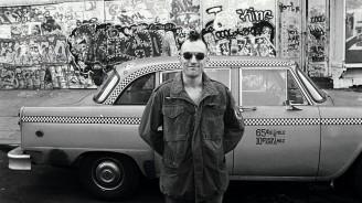 Robert De Niro behind the scenes (Taxi Driver) Photographed by Steve Schapiro.