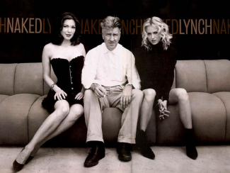 "Director David Lynch with his Film ""Mulholland Drive'' Actresses: Laura Harring (left) and Naomi Watts (right). (Getty Images)"